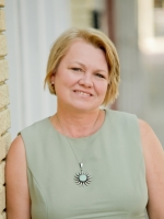 Ask Advisor Clara at Psychics.com