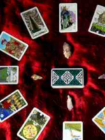 Psychic clairvoyant reader and advisor specialist in Tarot love at Psychics.com