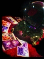 Psychic Mia psychic to the stars Specialize in soulmates love at Psychics.com