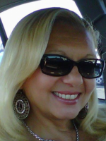 Natural born psychic specializes in love and relationships at Psychics.com
